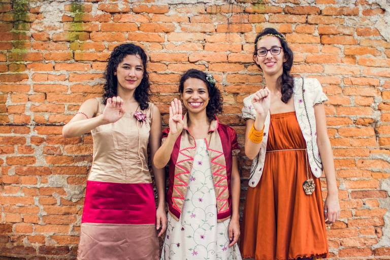 Amanda Lioli, Brunna Talita e Li Albano, educadoras do gRUPO êBA!