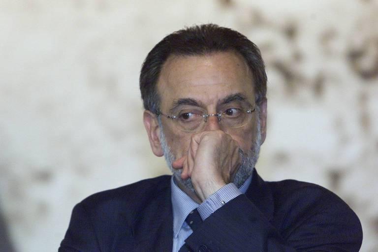 O brasileiro José Maurício Bustani, pouco antes de deixar o cargo de diretor-geral da Opaq por pressão americana