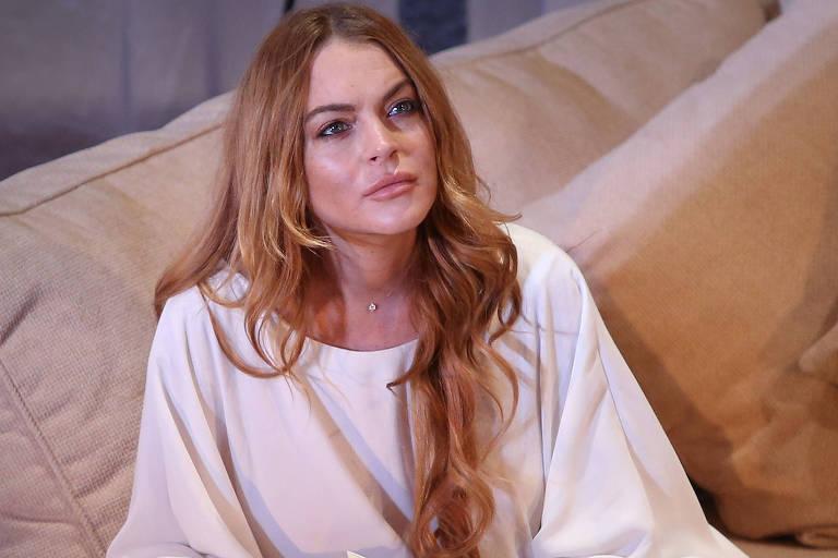 """Atriz Lindsay Lohan em cena da peça """"Speed the Plow"""", em teatro em Londres"""