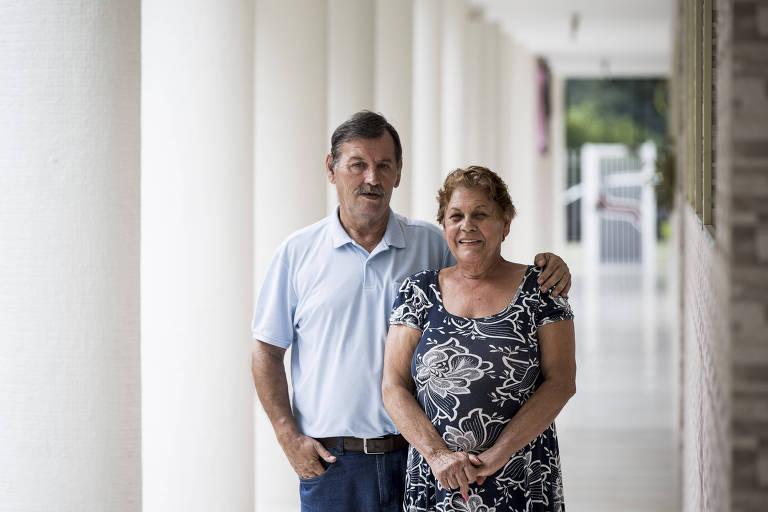 Herenice Cavalcante Teixeira, 68, toca um negócio de bordados computadorizados com o marido José Luiz, 69