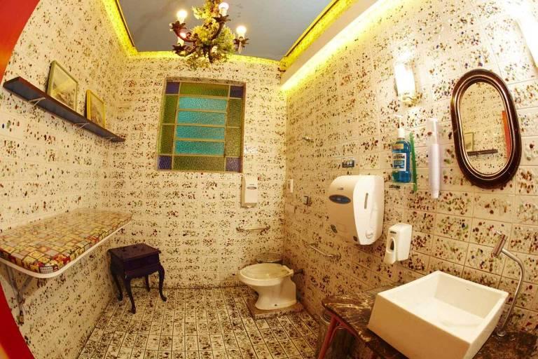 Banheiro de estabelecimento comercial em São Paulo