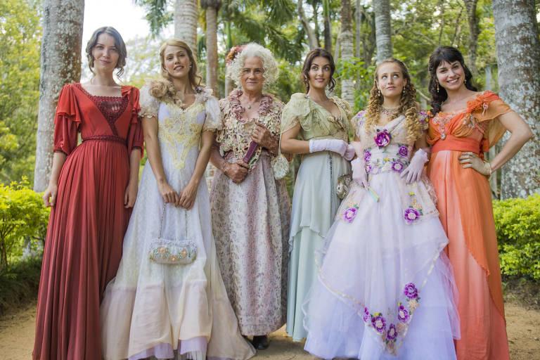 Ofélia e as filhas: Elisabeta, Jane, Cecília, Lídia e Mariana