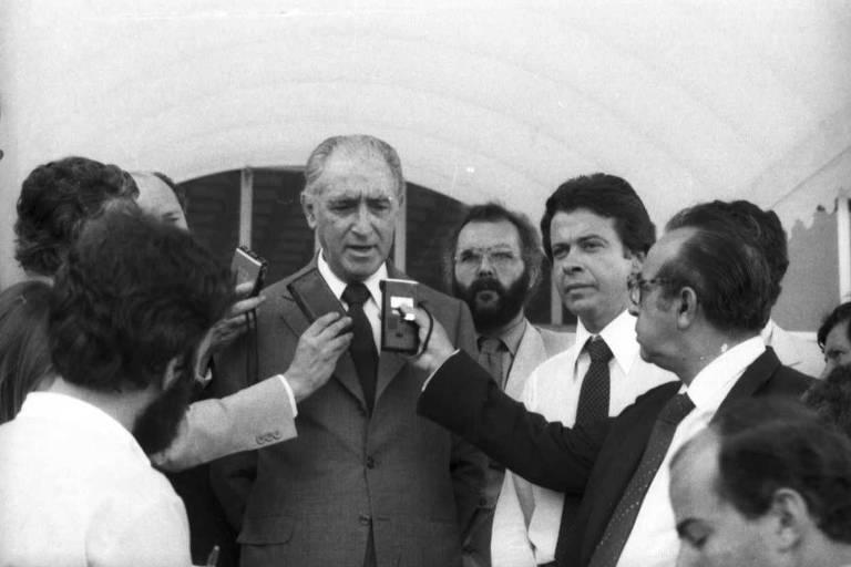 O então governador de São Paulo, Franco Montoro se pronuncia no segundo dia dos protestos contra o desemprego em São Paulo