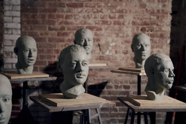Esculturas de rostos