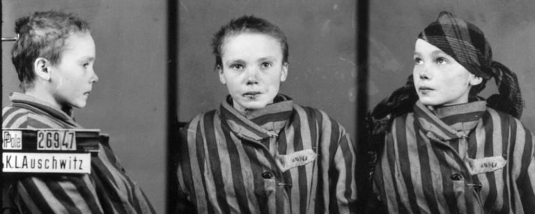 Sequência de três imagens da jovem Czeslawa Kwoka, prisioneira política morta aos 14 anos em Auschwitz; ela aparece de perfil, de frente e de três quartos, usando o uniforme listrado do campo de concentração, os cabelos foram cortados bem curtos, como acontecia nessas prisões; essa é a sequência original em preto e branco, que recentemente foi colorizada pela brasileira Marina Amaral