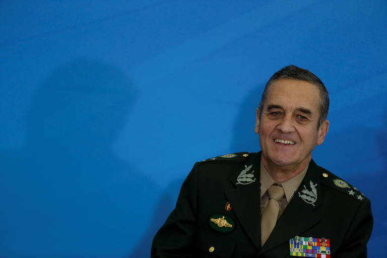 FILE PHOTO: Brazil's Army General Eduardo Villas Boas attends a promotion ceremony for generals of the armed forces, at the Planalto Palace in Brasilia