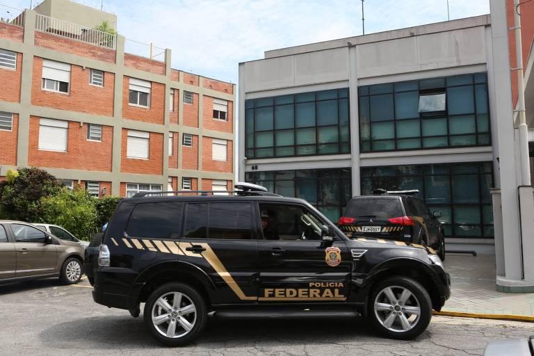 Carro da Policia Federal após operação em 2018 na sede da empresa Argeplan, do coronel Lima, que foi apontado como um dos intermediários de propina a Temer