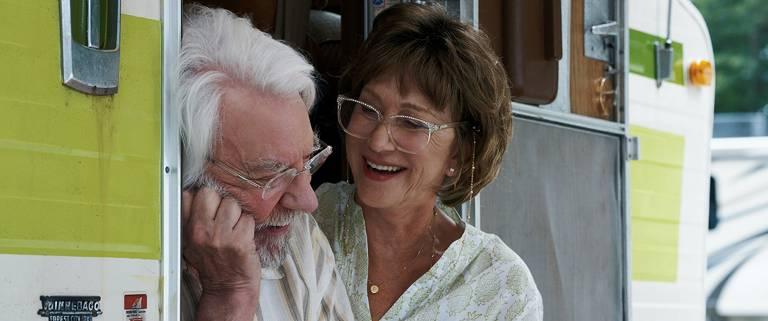 "Donald Sutherland e Helen Mirren em cena de ""Ella e John"", filme do italiano Paolo Virzì"