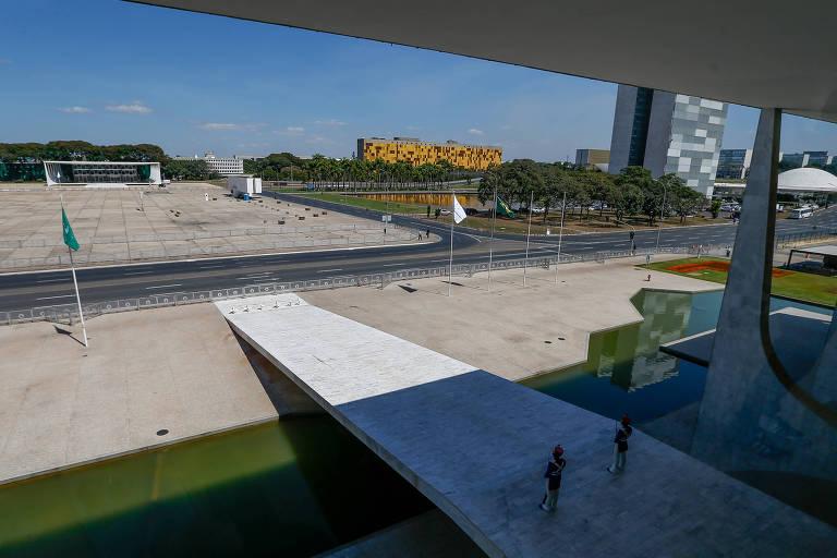 Praça dos Três Poderes, em Brasília, vista a partir do Palácio do Planalto
