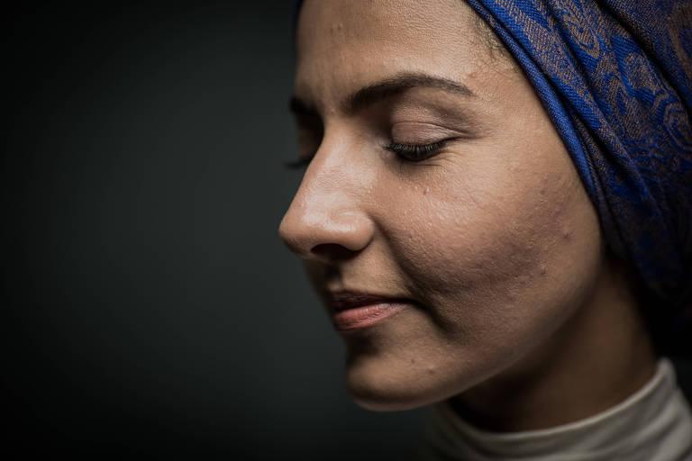 A síria Rabia Kafouzi, 33, em sua casa, no bairro Sapopemba, em São Paulo