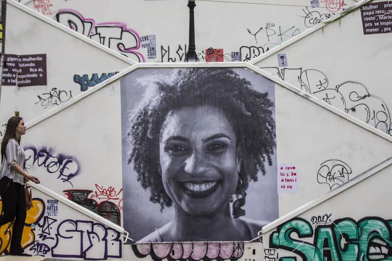 Escadaria da rua Cristiano Viana, em Pinheiros, zona oeste de São Paulo, com homenagem à vereadora Marielle Franco (PSOL)