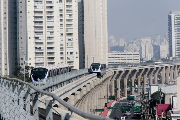 Circulação de trens do monotrilho na inauguração da linha 15-prata, em agosto de 2014