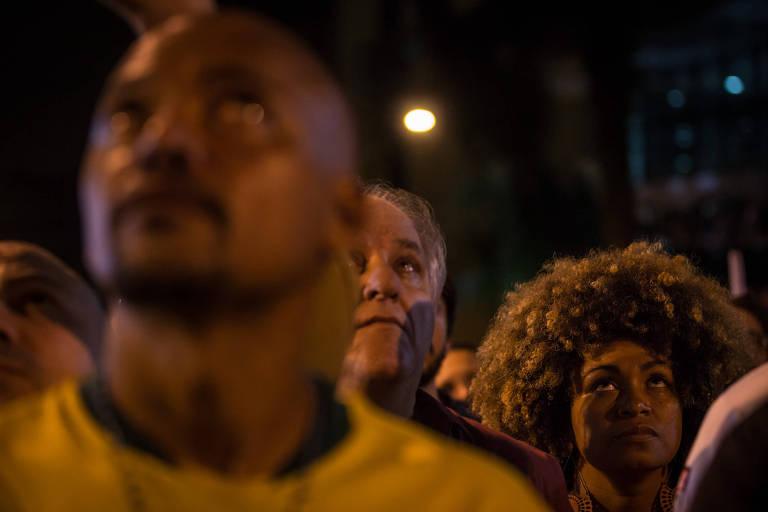 Apoiadores de Lula no Sindicato dos Metalúrgicos do ABC  esperam o ex-presidente Lula (PT) após ordem de prisão expedida pelo juiz Sergio Moro