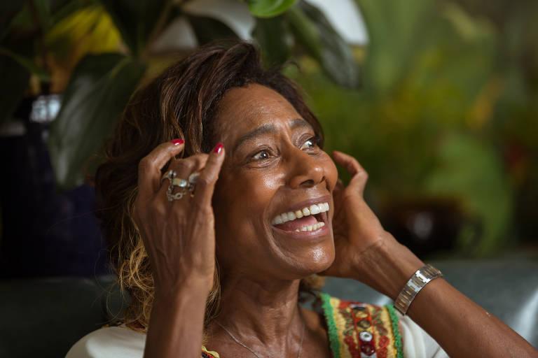 Gloria Maria concede entrevista à coluna no Copacabana Palace