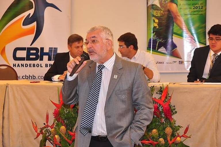 O presidente licenciado da CBHb (Confederação Brasileira de Handebol)