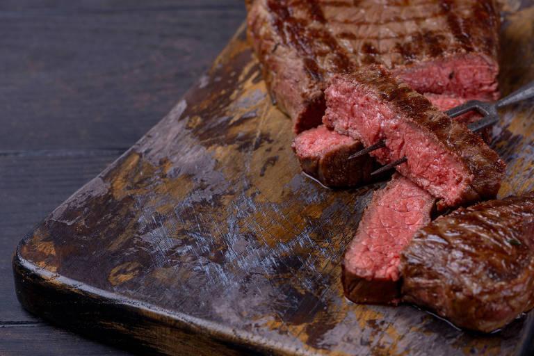 Algumas dietas low-carb são ricas em proteínas e gorduras animais