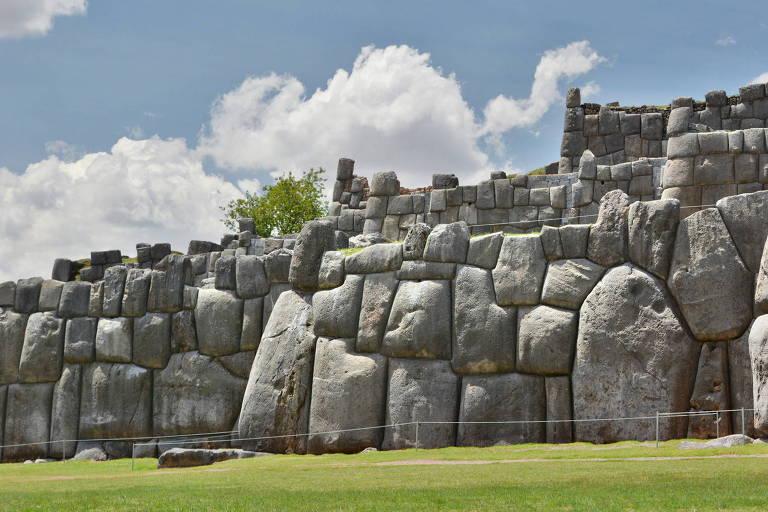 Fortaleza inca em Cusco, no Peru