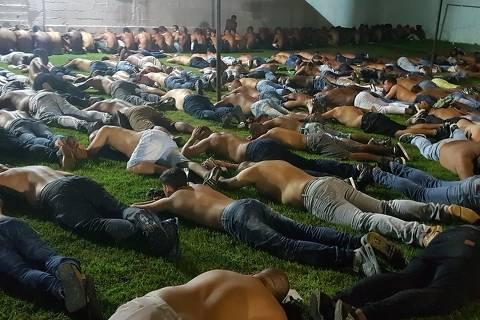 Justiça manda soltar 137 de 159 presos em suposta festa de milícia no Rio