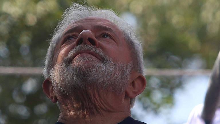 Ex-presidente Lula em ato em homenagem à ex-primeira-dama Marisa Letícia, em frente ao Sindicato dos Metalúrgicos do ABC, em São Bernardo do Campo