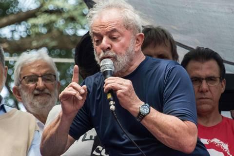 Eles não querem de jeito nenhum que a Lava Jato acabe, diz Lula em vídeo