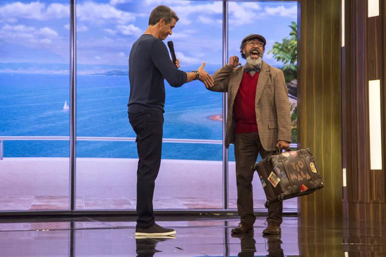 """Márcio Garcia e Ademir de Souza, que interpreta o personagem Tio Mala no """"Tamanho Família"""" (Globo)"""