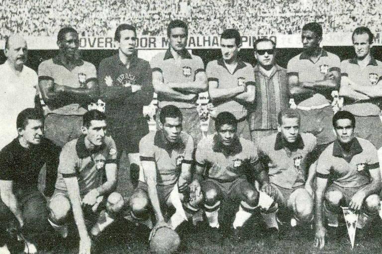 Jogadores do Palmeiras representam a seleção brasileira em amistoso contra o Uruguai, na inauguração do estádio do Mineirão