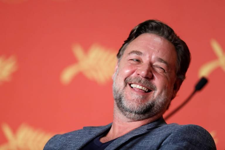 """Russell Crowe na coletiva de imprensa do filme """"Dois Caras Legais"""" realizada durante o Festival de Cannes, na França"""
