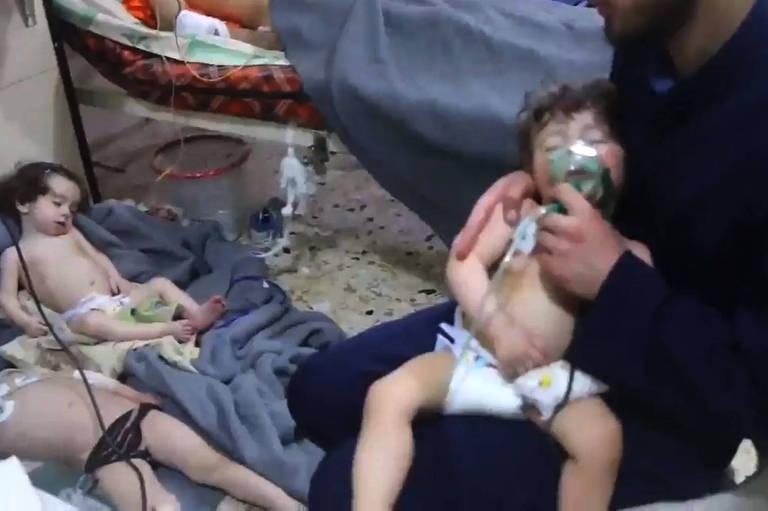 Ataque do governo sírio mata ao menos 40 pessoas