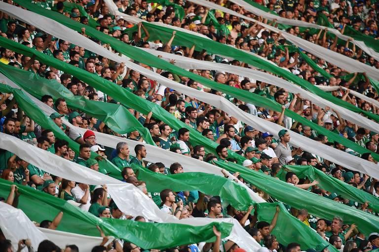 Torcedores do Palmeiras em jogo da equipe no Allianz Parque