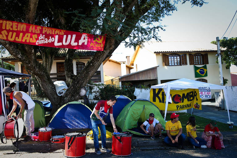 Acampamento 'Lula Livre', em Curitiba