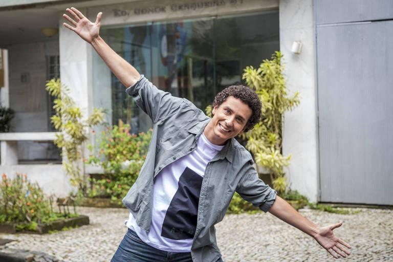 """Rafael Portugal em cena de """"Tá no Ar: a TV na TV"""" (Globo)"""