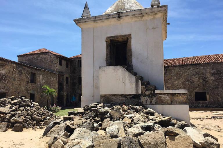 Foto mostra Forte dos Reis Magos, em Natal, em ruínas