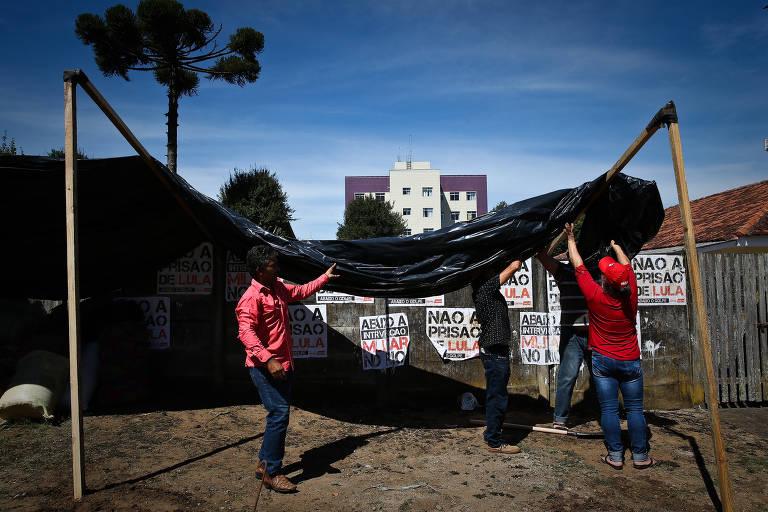 <strong>O acampamento pró-Lula</strong>