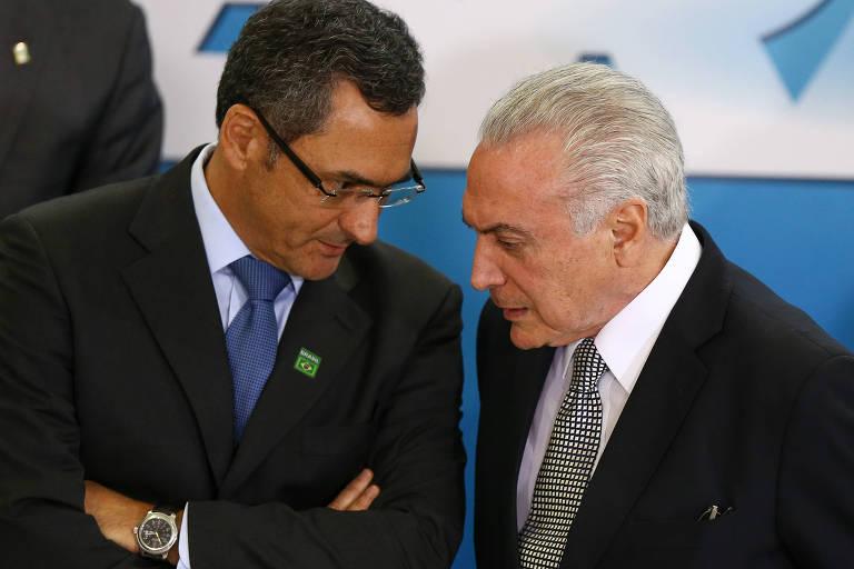 O presidente Michel Temer dá posse ao novo ministro da Fazenda, Eduardo Guardia