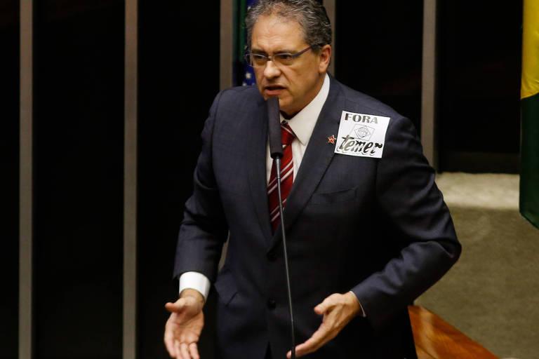 O deputado federal Carlos Zarattini (PT-SP), que quer incluir o sobrenome 'Lula'