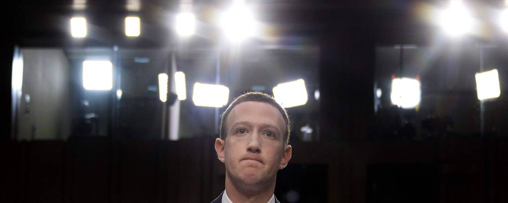 Mark Zuckerberg durante depoimento em comissão do Senado dos EUA nesta terça-feira (10)