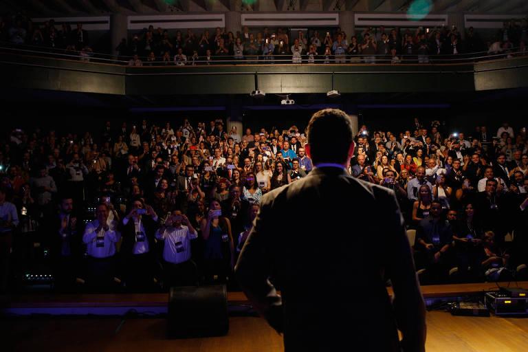 O juiz federal Sergio Moro diante de plateia do Fórum da Liberdade, evento em Porto Alegre