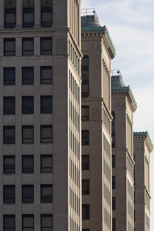 O Cadillac Place, antiga sede da General Motors, em Detroit. A obra é de Albert Kahn, conhecido como 'O Aquiteto de Detroit'
