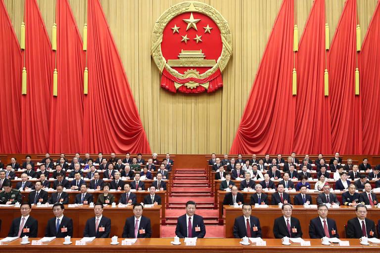 Líderes do Partido Comunista da China e o presidente chinês Xi Jinping, ao centro