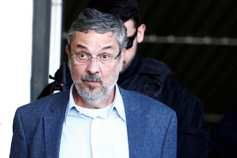 Ex-ministro Antonio Palocci deixa o IML de Curitiba