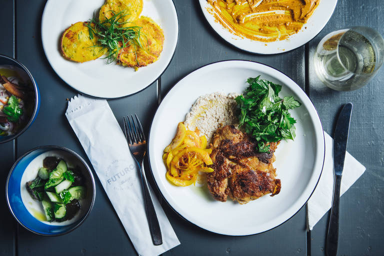 No Futuro Refeitório, frango orgânico, maionese de amêndoas e limão em conserva pode ser opção de prato