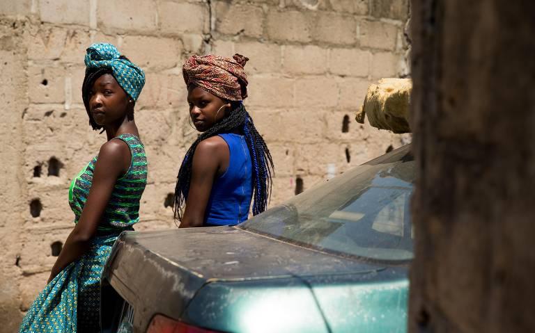 Português se mistura às línguas nativas na capital de Moçambique