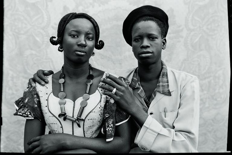 Obra do fotógrafo malinês Seydou Keïta, em exposição no IMS