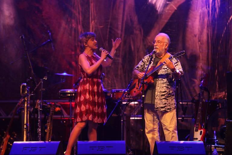 Bossa Cuca Nova e Roberto Menescal se apresentam durante o festival Ilhabela Bossa & Choro, em Ilhabela (SP), na noite deste sábado (8)