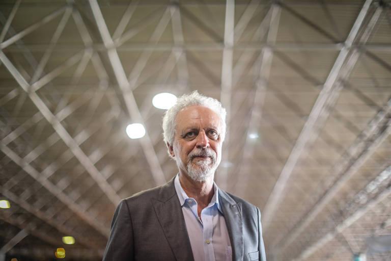 Foto mostra Leo Heller em evento do Fórum Alternativo Mundial da Água em Brasília, em março