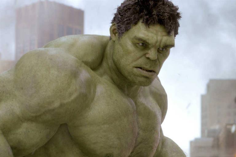 """O personagem Hulk, interpretado pelo ator Mark Ruffalo, em cena de """"Os Vingadores"""""""