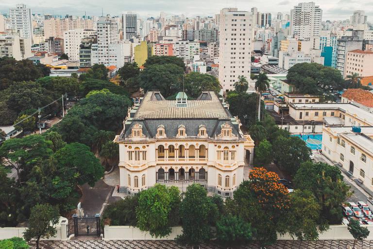 Palácio histórico vira espaço para emprendedores