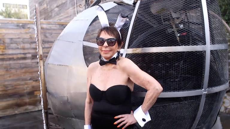 Dorrie Jacobson, de 83 anos, é a modelo de lingerie mais velha do mundo