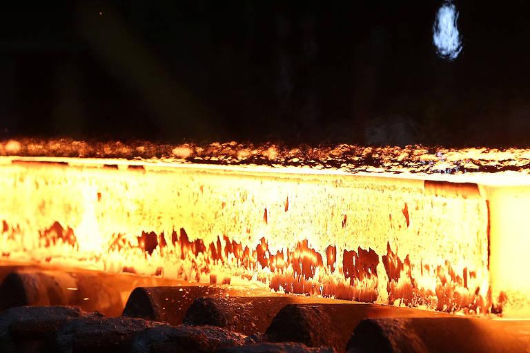 Produção de aço: Usiminas reativou forno em Minas Gerais