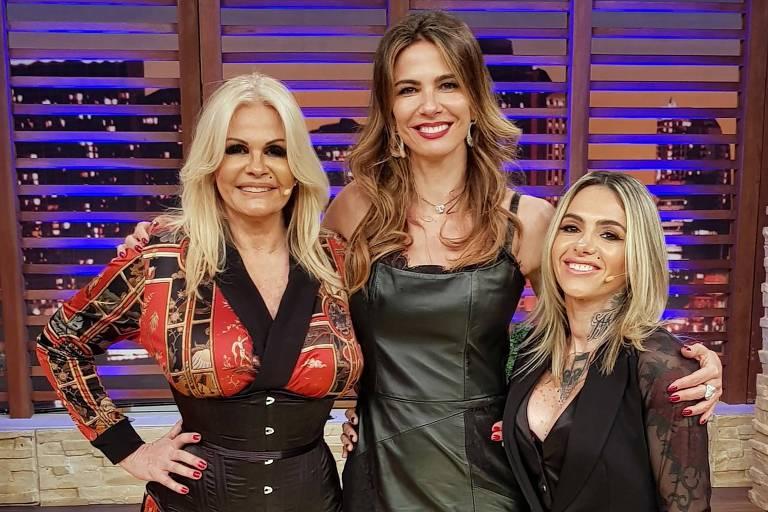 Monique Evans (e), Luciana Gimenez e a DJ Cacá Werneck